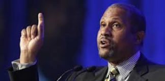 Tavis Smiley calls out RNC Sheriff speaker for Black Lives Matter diss