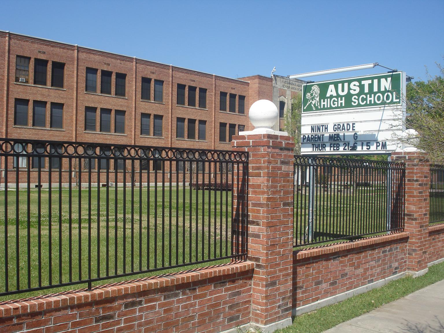 HISD To Consider Construction Contract For New Austin High School