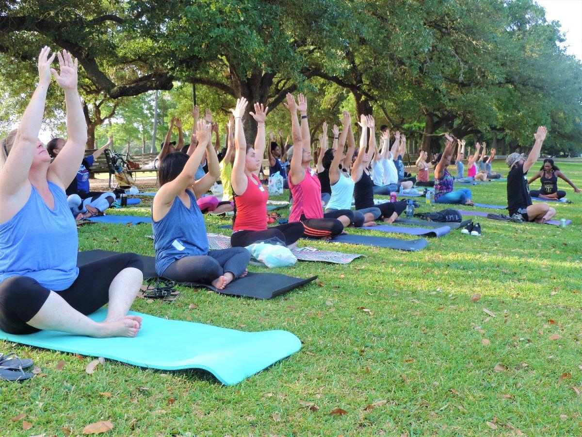 Yoga in the Park - DefenderNetwork.com