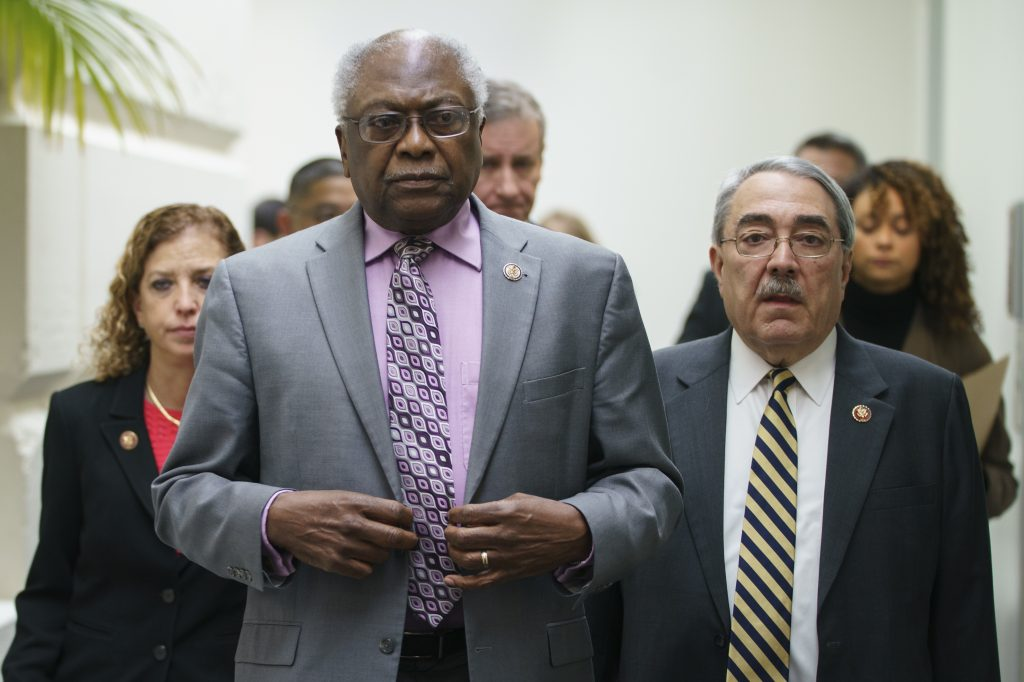 Rep. Jim Clyburn apologizes to Nancy Pelosi after criticizing lack of staff diversity