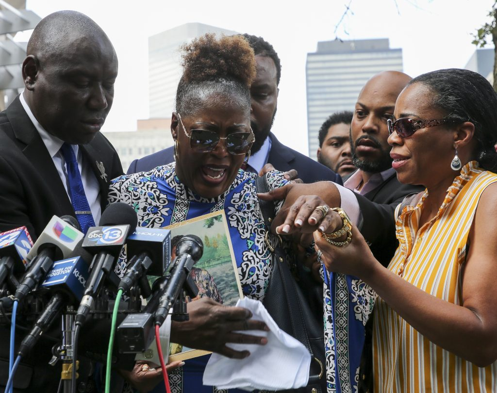 Rev. Al Sharpton to deliver eulogy at funeral for woman killed by Baytown police officer