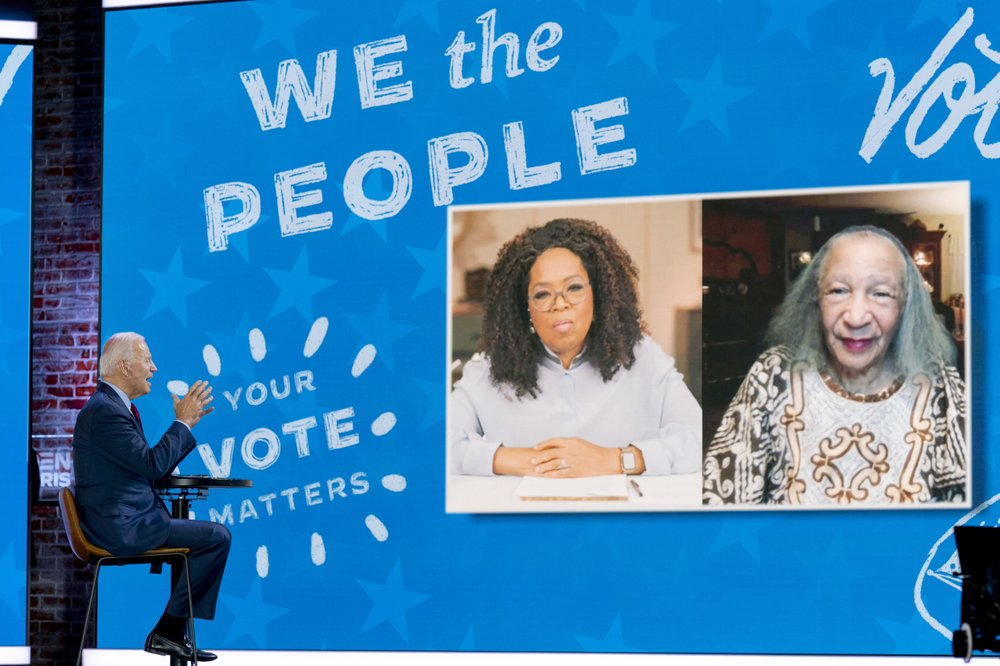 Winfrey hypes Biden at get-out-the-vote event