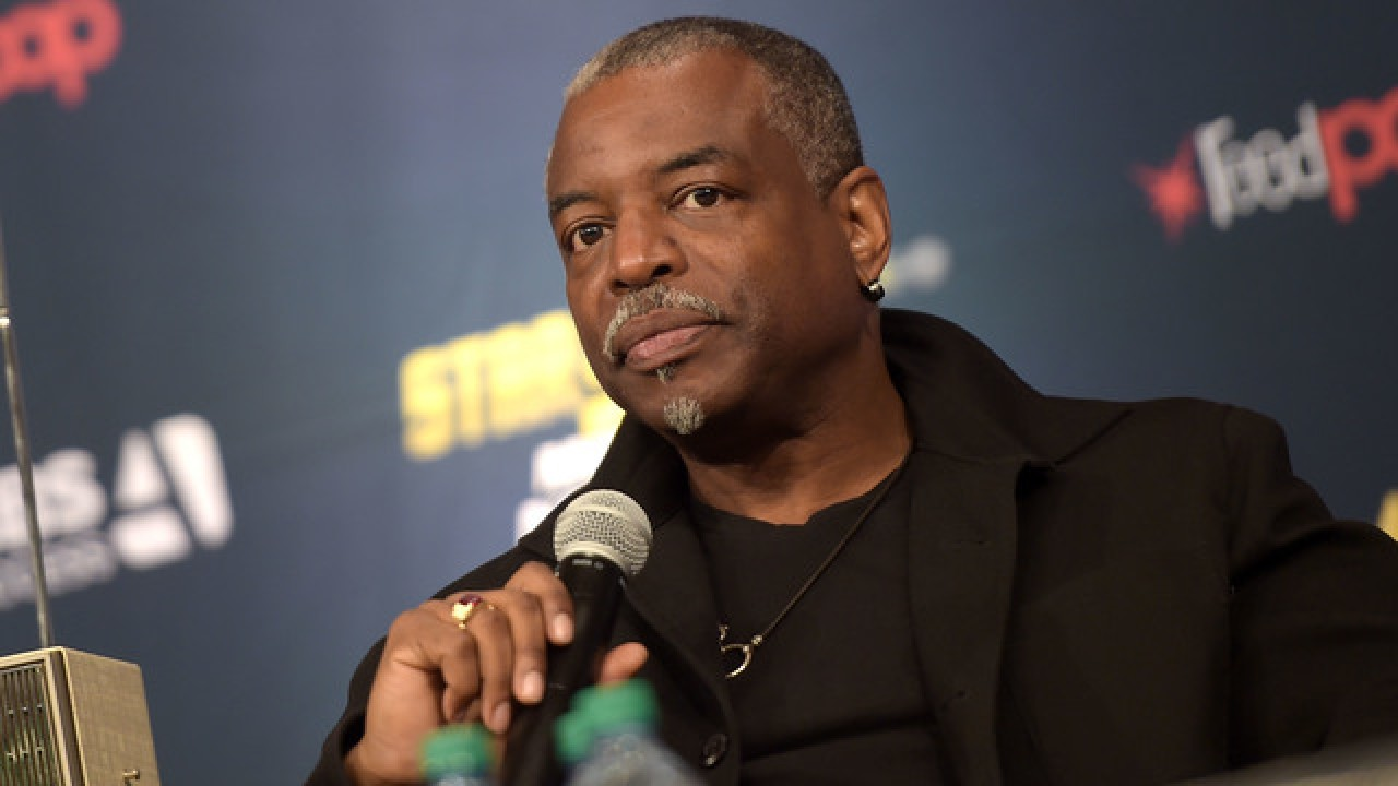 Fans petition for LeVar Burton to be next 'Jeopardy' host