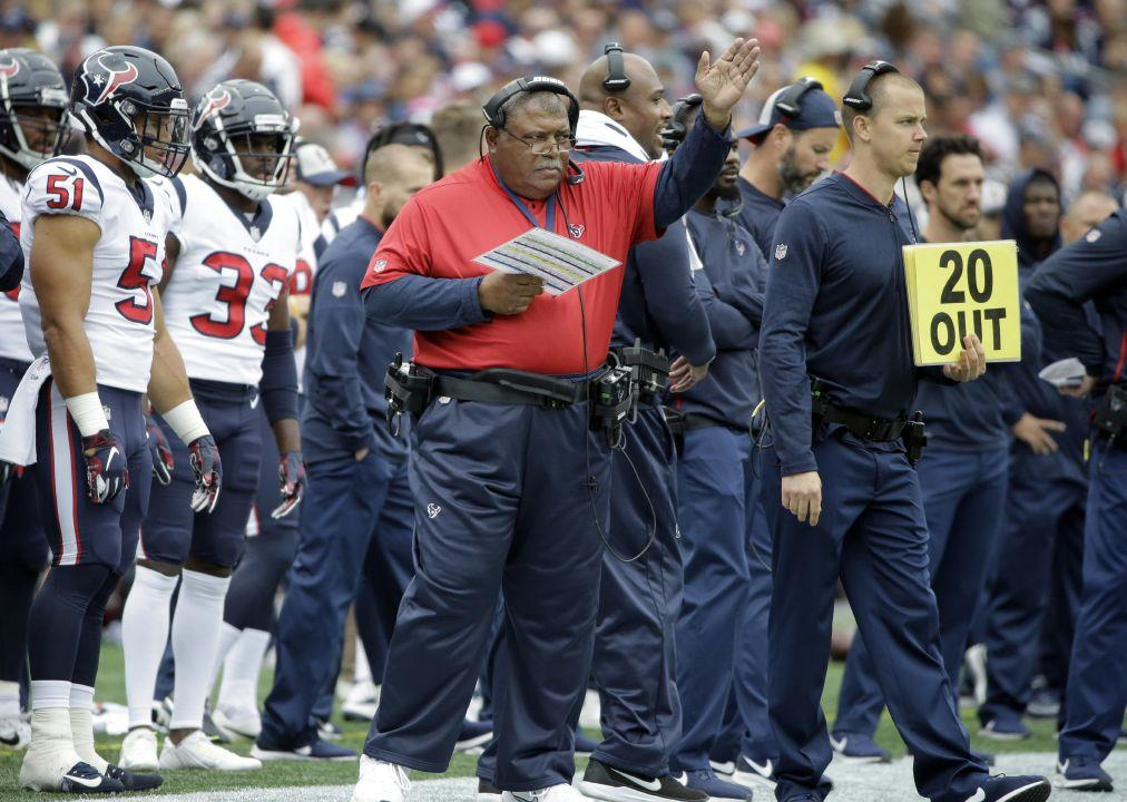 Romeo Crennel returns to scene of first head coaching opportunity